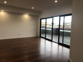 Oversized 1 BR Apartments in heritage conversion
